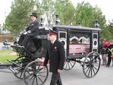 Конные похороны в Новосибирском крематории