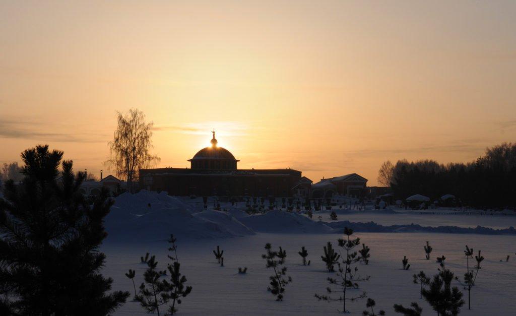 закат в Новосибирском парке памяти