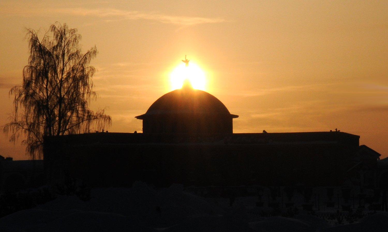 Восход солнца над Новосибирским крематорием