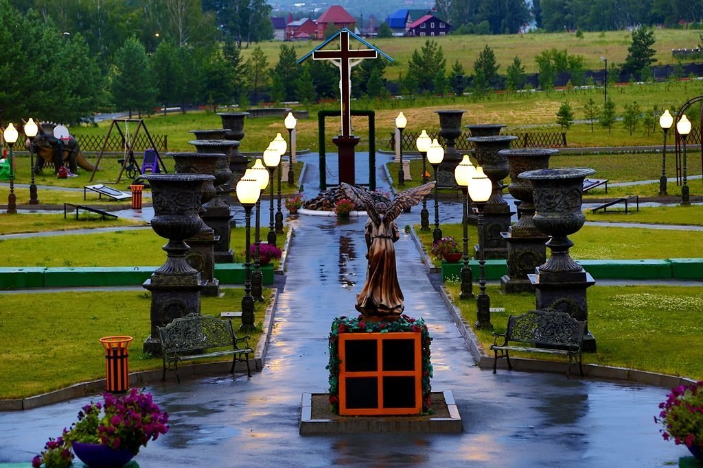 ангел и крест парк памяти