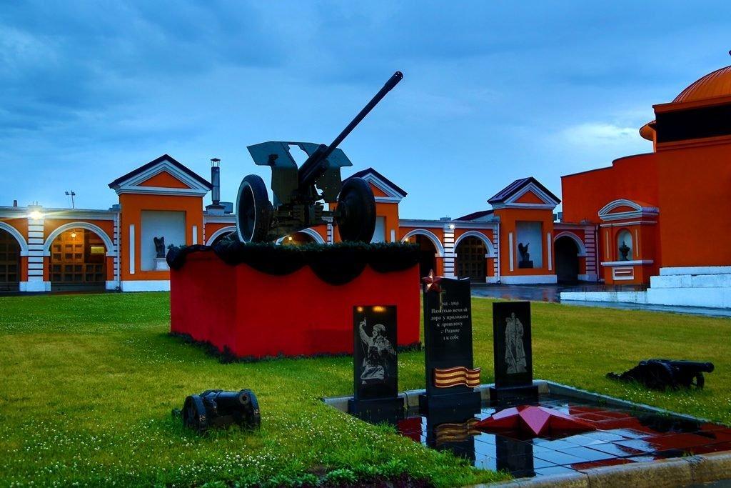 Новосибирский крематорий вечерние фото пушка