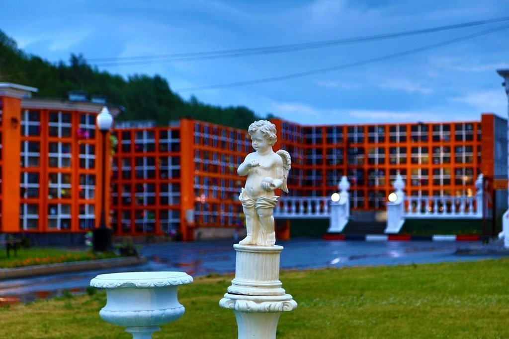 Новосибирский крематорий вечерние фото ангел
