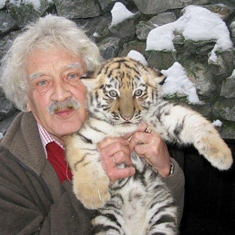 Умер директор Новосибирского зоопарка Ростислав Шило