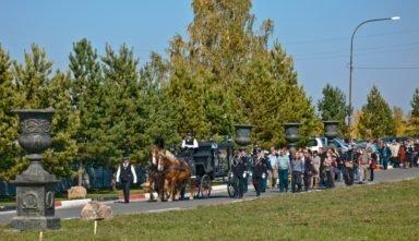конные похороны