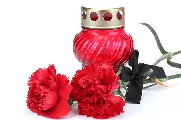 Живые цветы для траурной церемонии