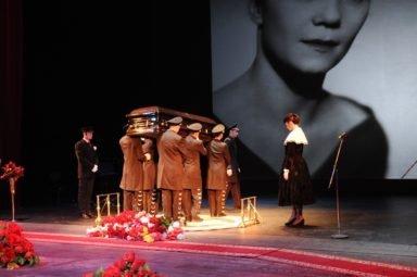 похороны Крупенина НОВАТ