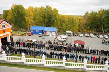 траурное шествие в Новосибирском крематории, особые похороны
